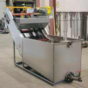 Wedge wire screen w/ solids recovery