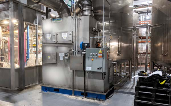 dual throat scrubber for beverage producer